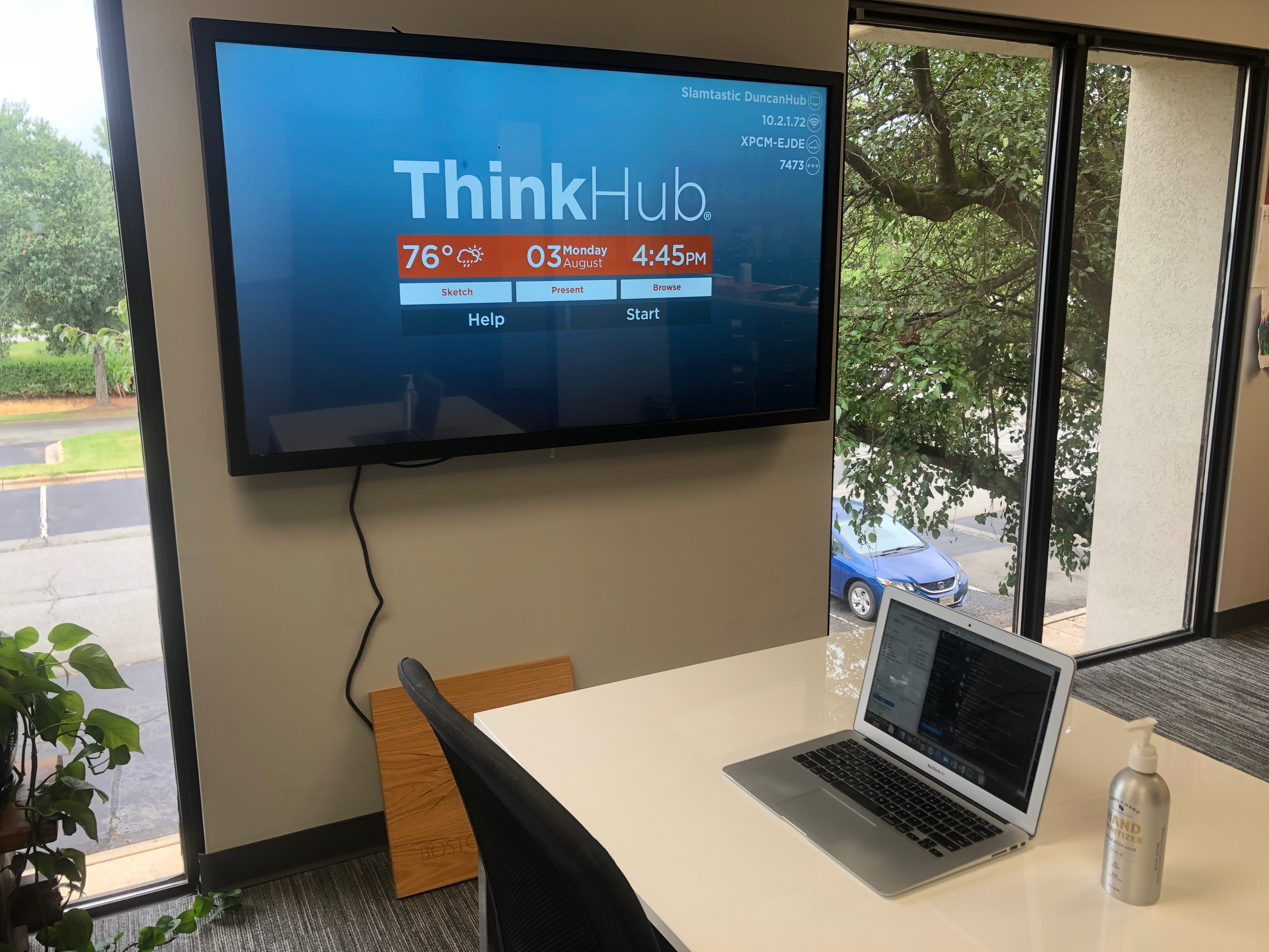 T1V-work-from-anywhere-diaries-38-year-old-vp-of-hr-thinkhub-collaboration-software-byod-office