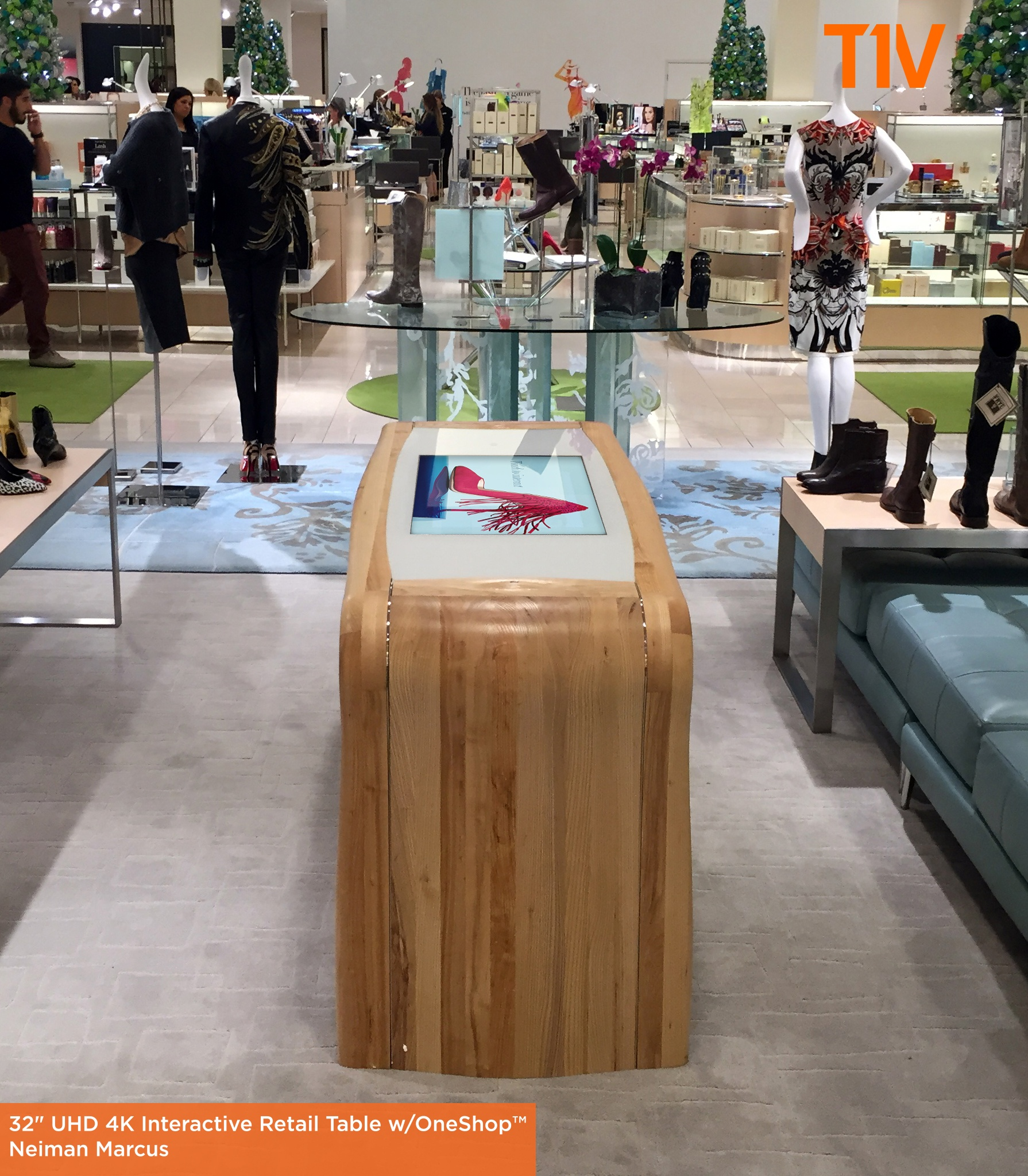T1V_Interactive_Retail_Table_NeimanMarcus.jpg